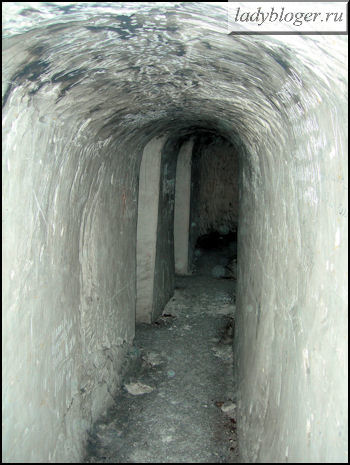 Входы в кельи Старой пещеры